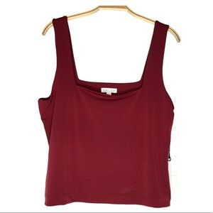 Leith Square neck Crop Tank Top in Red wine color